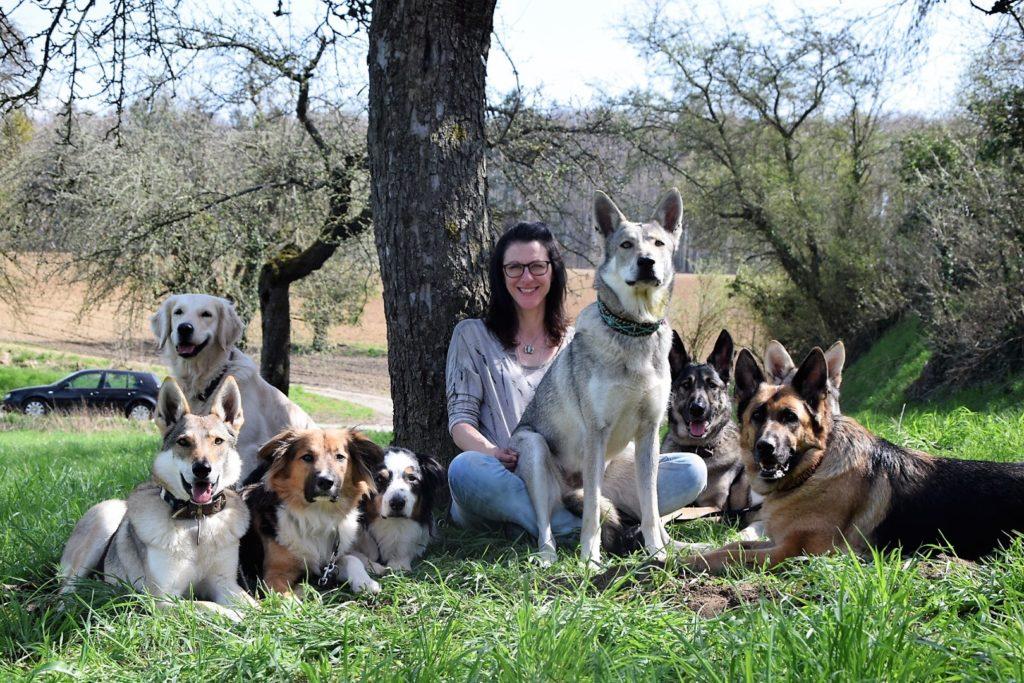 Ramona Rach mit ihren Hunden